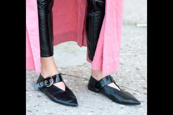 أحذية البابوش المسطحة